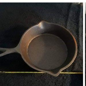 Cast iron fry pan  5 inch